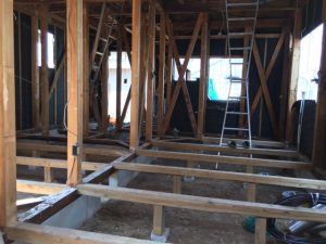 豊川市でリノベーション工事中の戸建て住宅のスケルトン解体工事が終わりました。