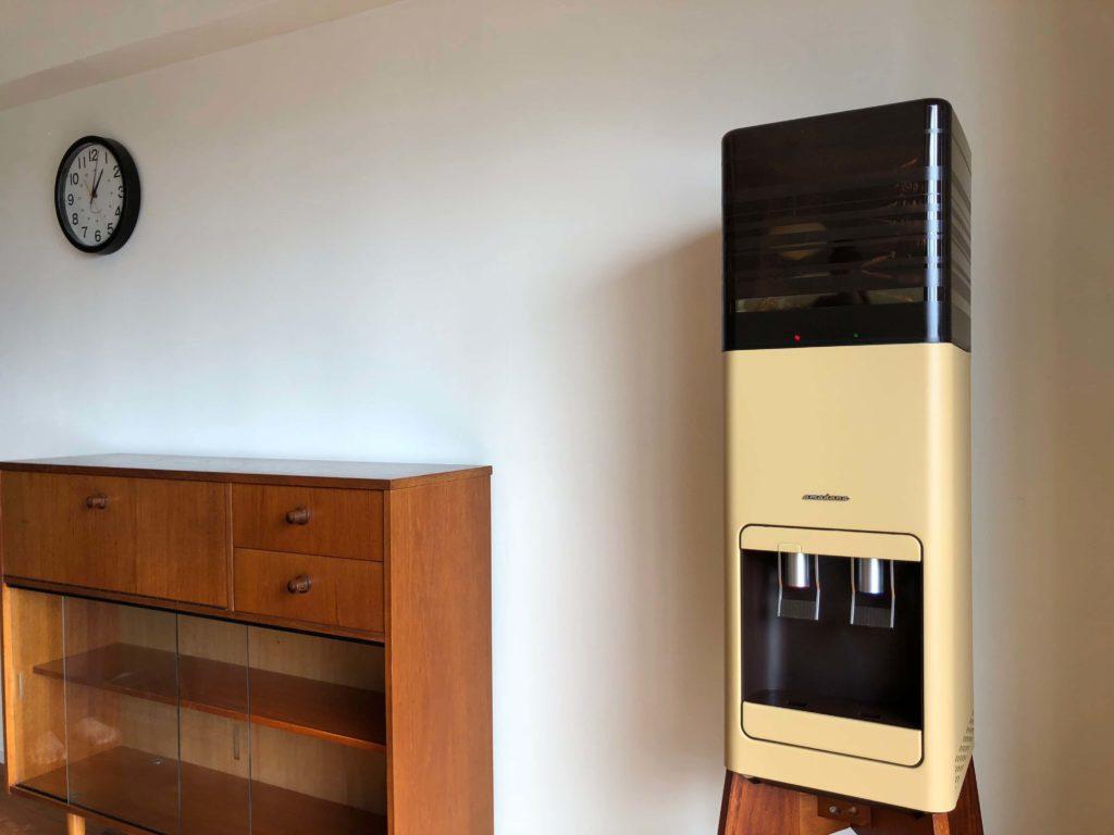 北欧のビンテージ家具と相性抜群のウォーターサーバー