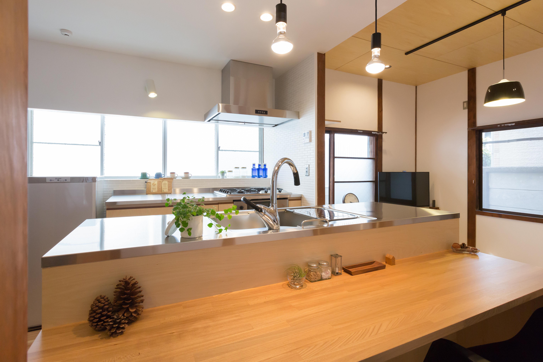 築50年の平屋、開放的なキッチンに劇的リノベーション