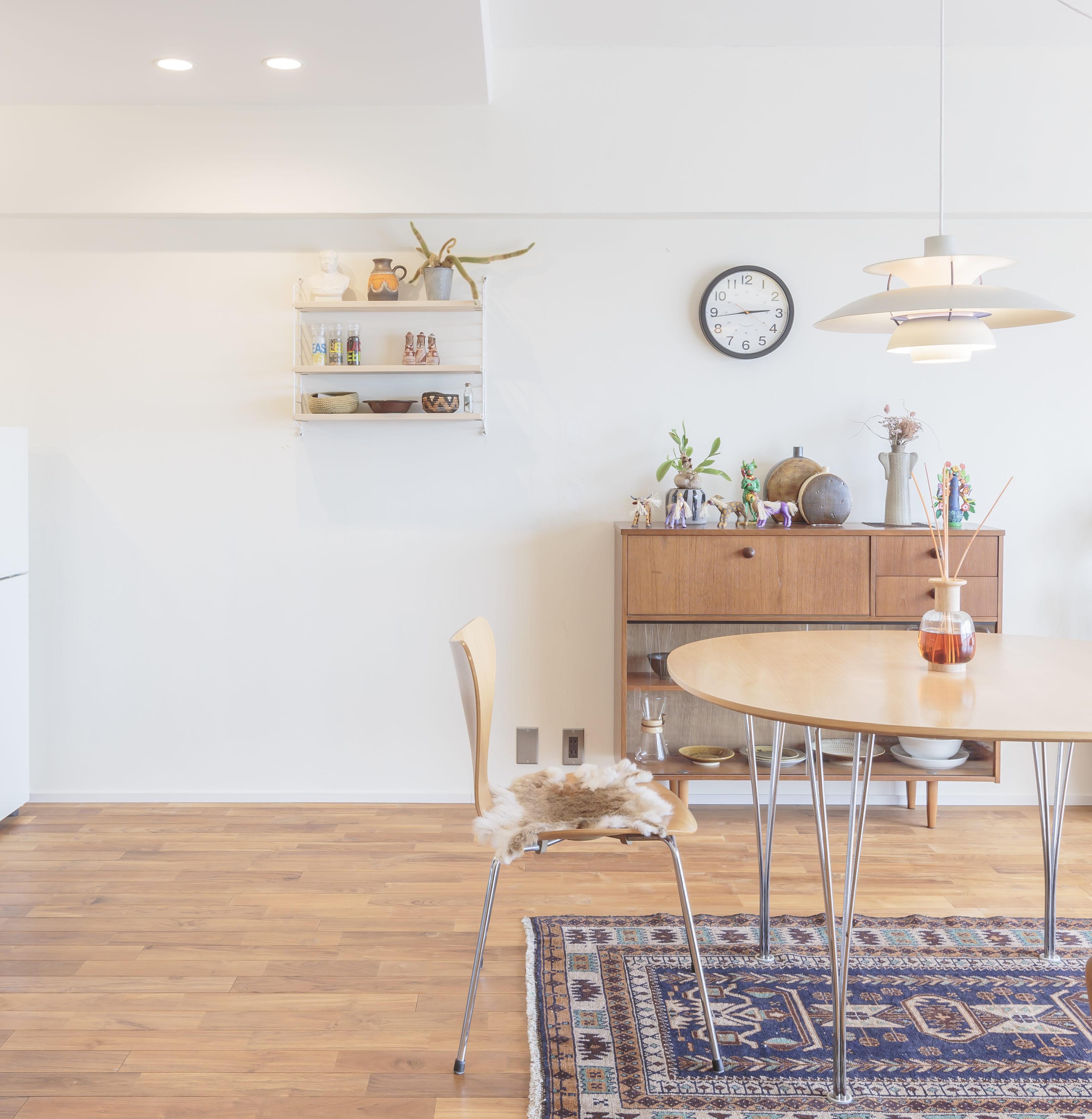 マンションリノベでお洒落な暮らし、北欧家具やビンテージの小物でカッコよく