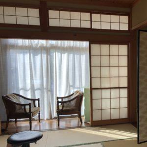 リノベ前の和室、襖も椅子もリノベしました