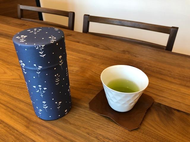 お洒落な茶筒はどんな空間にもなじみます
