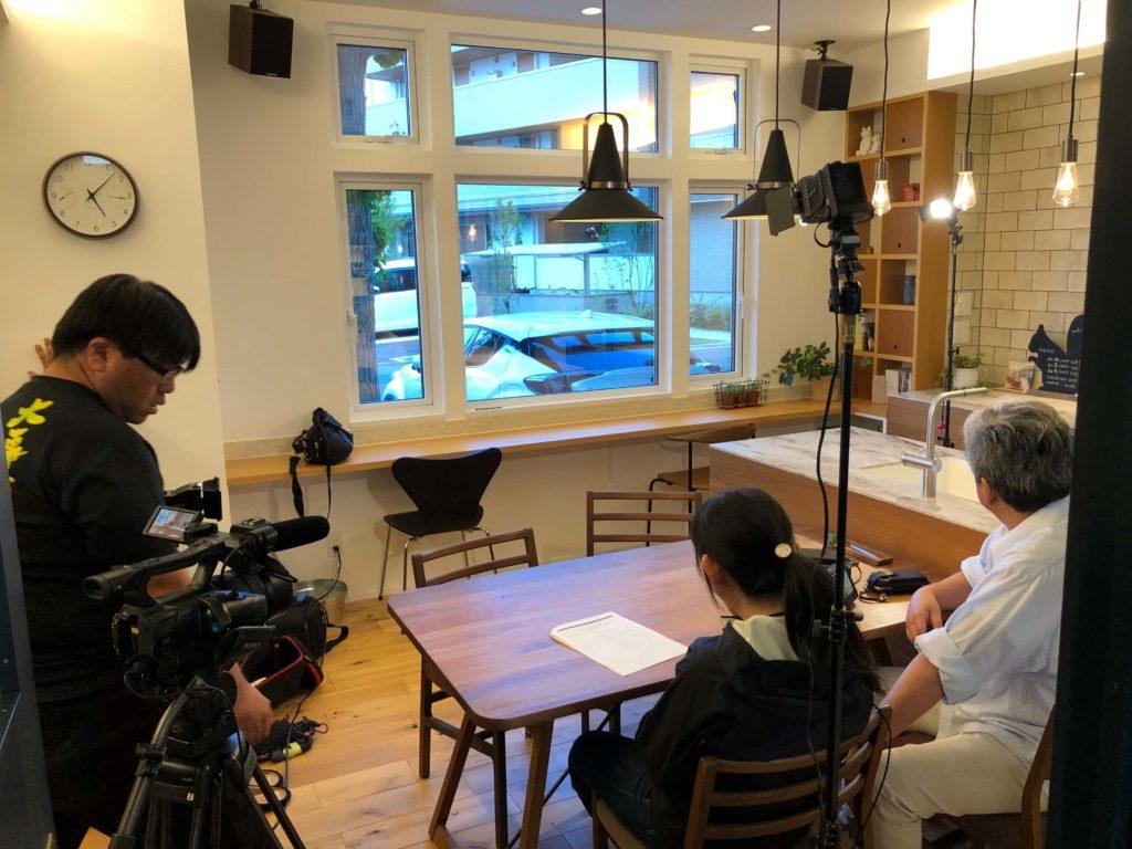 リノクラフト今泉も設計担当者としてインタビューを少々してもらい、その準備風景。緊張してしまいます。