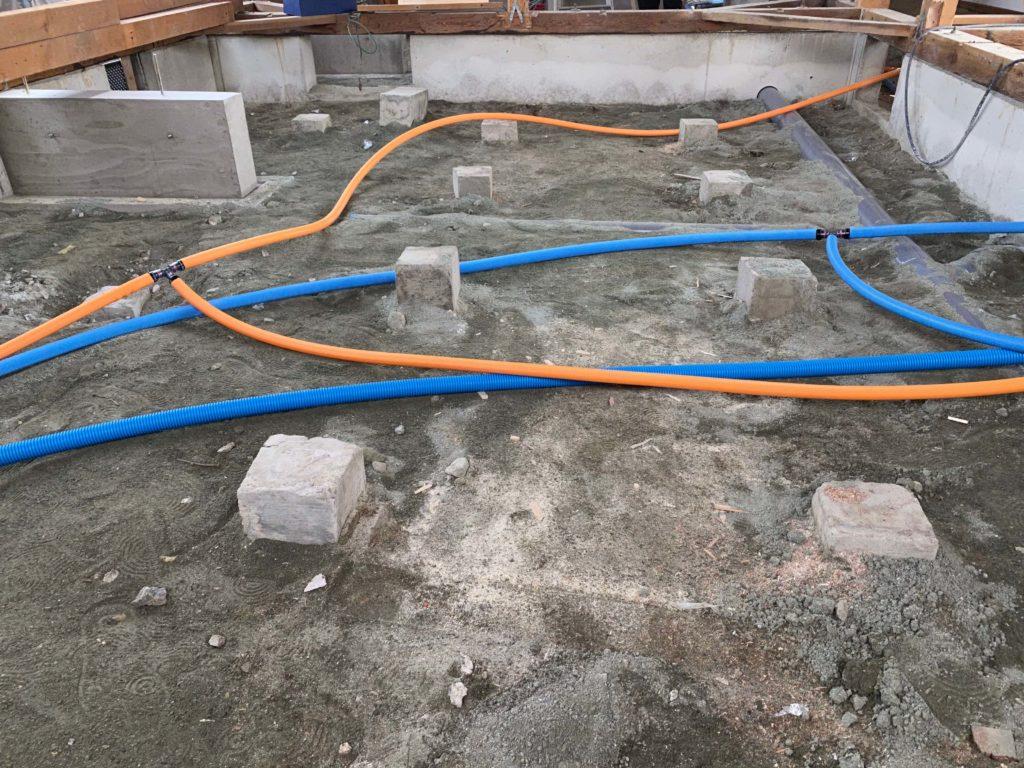 重要インフラである水道管は全て新しいものに更新します。