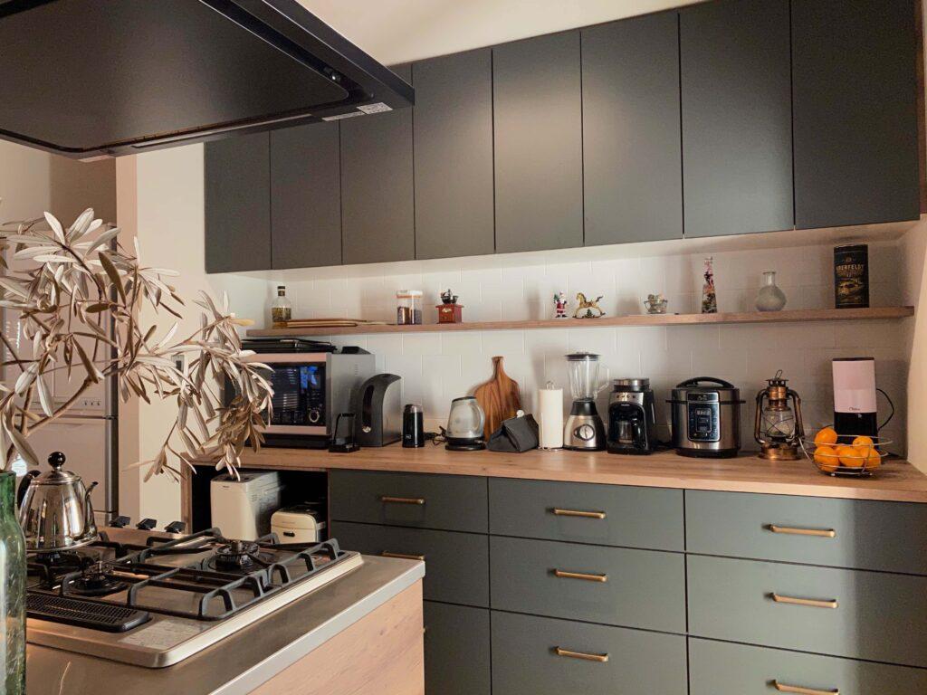 調理家電まで絵になるキッチン。いつまでも居たい場所です。