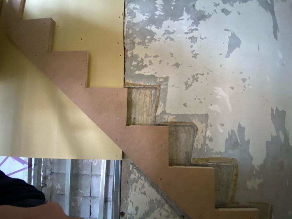 階段の組み替えもリノベーションに欠かせません