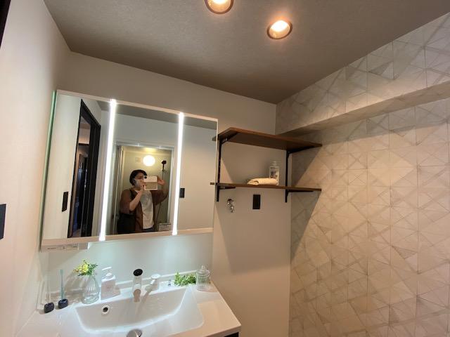豊橋市マンションリノベーション完成後の洗面台にて撮影しました